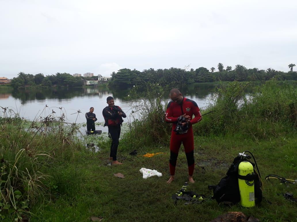 Equipe de Mergulho do CBMCE resgata criança na Lagoa da Maraponga