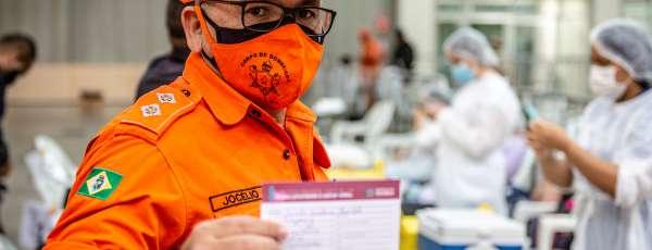 Começa a imunização dos profissionais da segurança pública