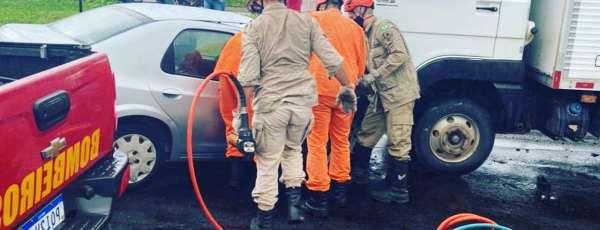 Bombeiros de Sobral resgatam vítima de acidente de trânsito presa às ferragens