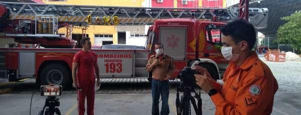 """Corpo de Bombeiros realiza live de um ano do """"Em Casa Com a Melhor Idade"""""""