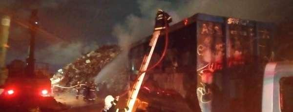 Bombeiros debelam incêndio em sucata de edificação comercial no Distrito Industrial de Maracanaú