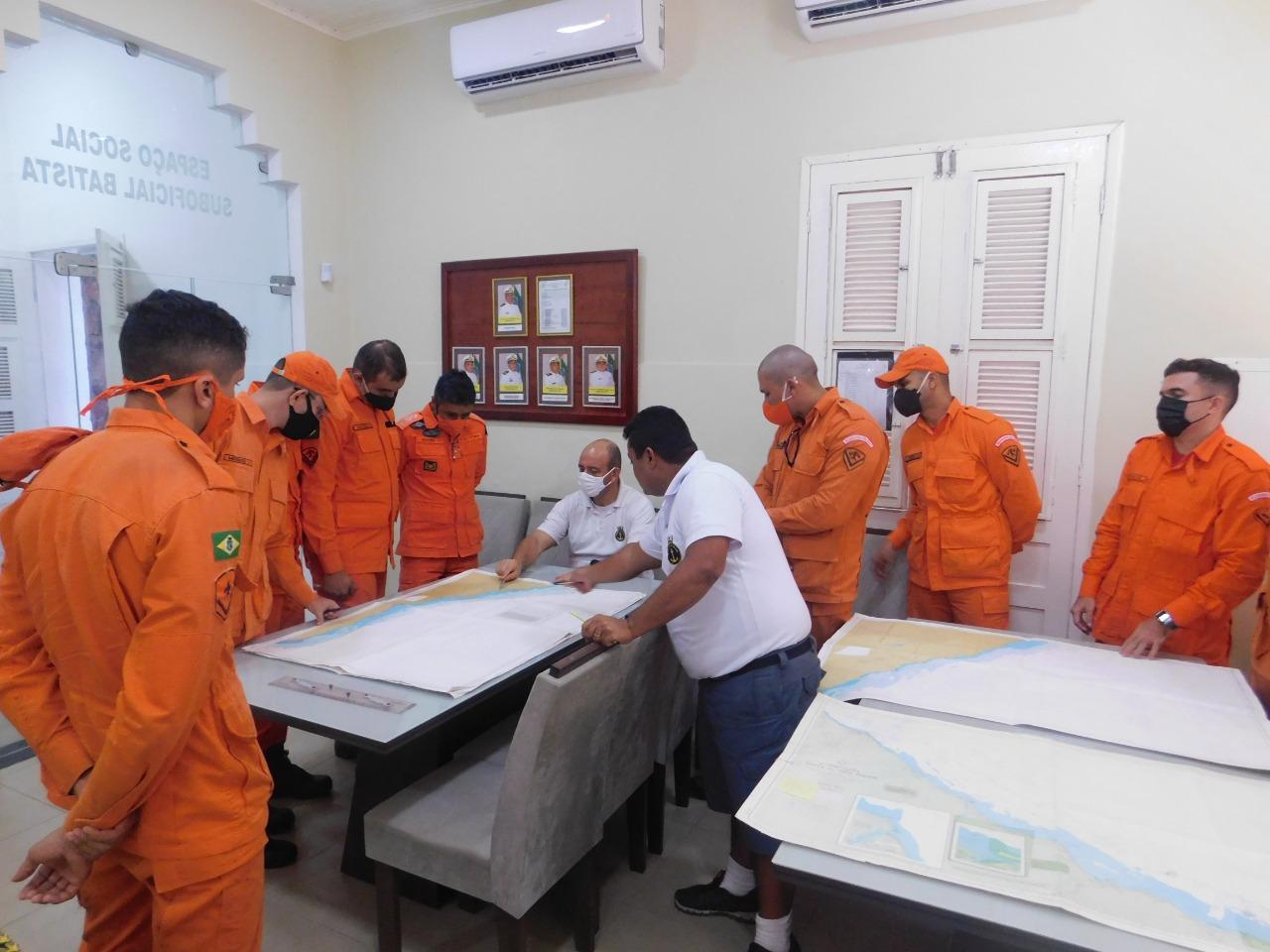 Bombeiros do Aracati iniciam capacitação em Estágio de Tripulação de Embarcação do Serviço Público