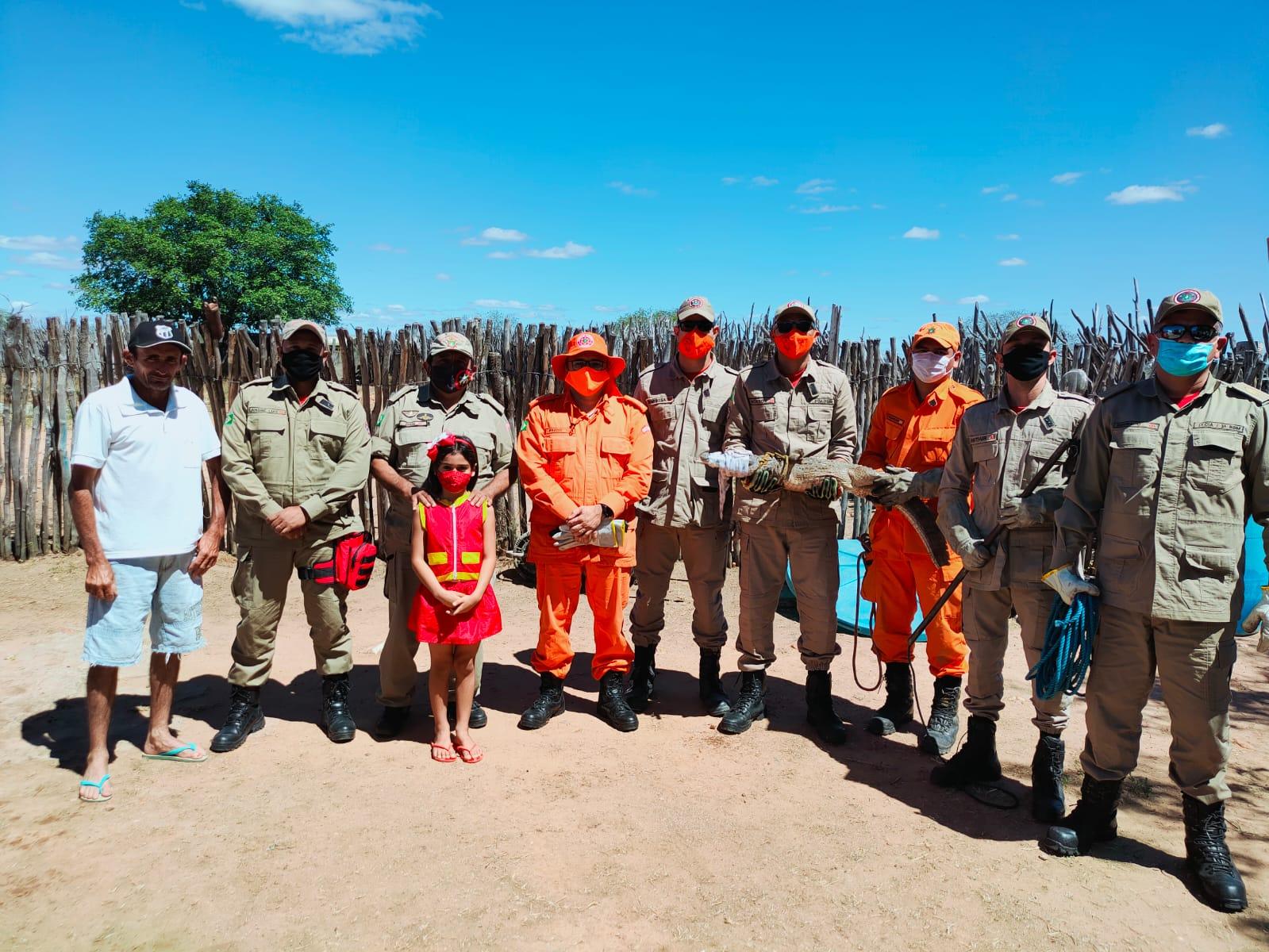 Corpo de Bombeiros resgata jacaretinga em Independência