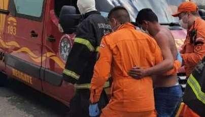 Homem é resgatado pelas Forças de Segurança após sofrer ataque de abelhas em Caucaia
