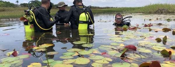 Alunos do curso de mergulho autônomo (CMAUT) realizam treinamento em Itarema